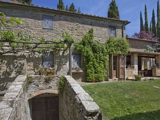 Farmhouse in the Chianti Region for Friends or a Large Family - Casa Elsa, Radda in Chianti