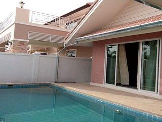 Villas for rent in Hua Hin: V6105