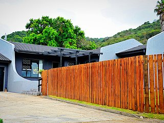 Modern Self-Catering House Close To Town, Knysna