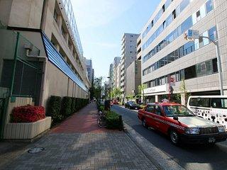 8 Minutes walk to the Tsukijishijo Market GZ207