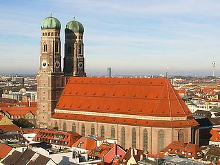 4 Zi. Dachgeschoss Wohn. f. 10 Pers., Munich
