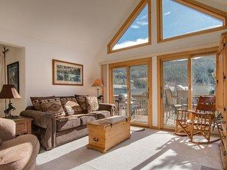 Snake River Village 05 - Walk to slopes, ski area views, washer/dryer, private, Keystone