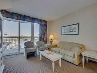Condo overlooking marina, less than 2 miles from the beach!
