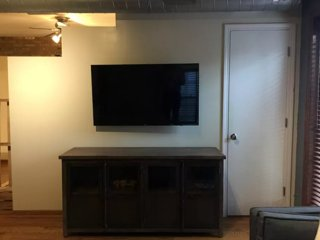 Furnished Studio Apartment at N Honore St & N Elk Grove Ave Chicago