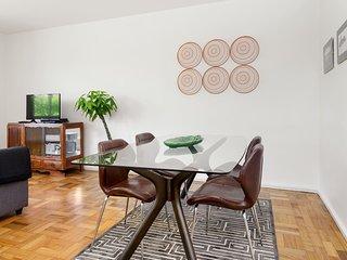 Fábrica de Histórias 6 - Apartamento com Varanda