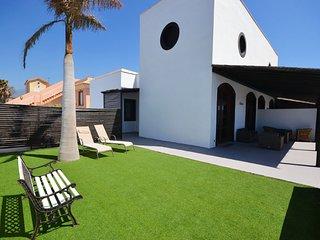 A04TF NICE HOUSE SEA FRONT, El Medano