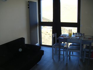 Comfortable studio in Saint Lary Soulan with gorgeous mountain views - 100m from the slopes!, Saint-Lary-Soulan