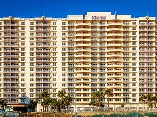 5-Star oceanfront, luxury condo w/ shared pools, hot tub, great ocean views!, Daytona Beach
