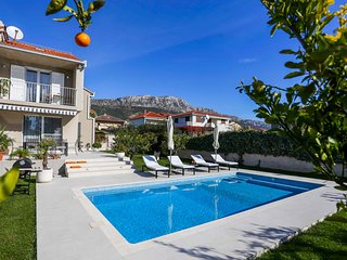Villa Elysium - Beautiful House with heated swimming pool near the sea