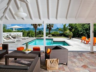 ixora - Ideal for Couples and Families, Beautiful Pool and Beach, Terres Basses