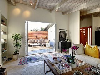 1BR, 1.5BA Contemporary Montecito Home Minutes to Butterfly Beach, Santa Bárbara