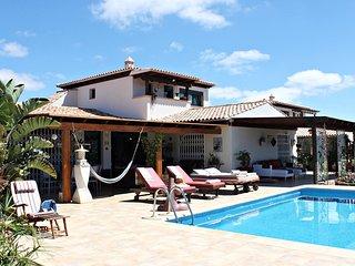 Villa J&J Grand Relax con piscina climatizable, Villaverde