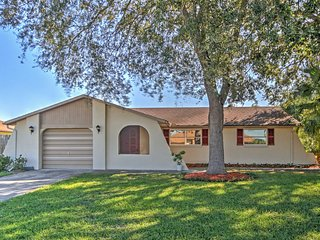 NEW! 3BR Venice Home w/Pool, Lake Access & Kayaks!