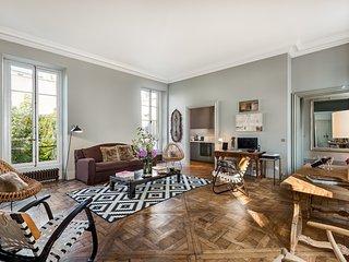 Marais Exquisite One Bedroom