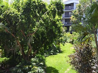 Botanical Island Delight C120, Key West
