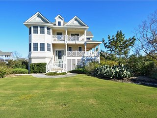 Private Pool, Buck Island Amenities, Walk to the Beach! Sweet Carolina