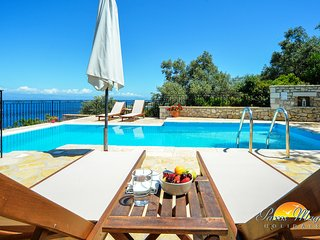 Kamelia Villa with private pool