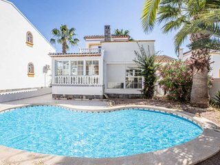 Spacious Detached 3 Bed 2 Bath Villa Private Pool English tv free internet