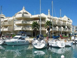 Great Benalmadena Marina Apt. Next to Beach Sea/Beach Views  A/C  Wifi  Sleeps 6