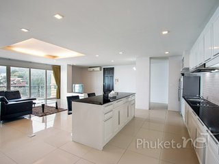 Comfy 2-Bed Apartment in Patong