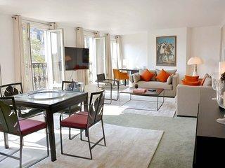 Spacious Pompidou Museum apartment in 01er - Louvre Les Halles with WiFi & lift., Paris
