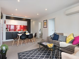 MODERN 3BDR APT + CITY VIEW + WIFI, Melbourne