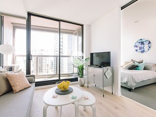 LV 21 STYLISH 2BDR APT+ NEAR SOUTHERN CROSS +WIFI