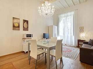 San Gallo White apartment in Duomo {#has_luxuriou…, Vinci