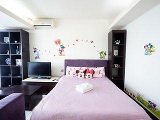 Taichung City 逢甲 一中 旅宿 ★米奇米妮房★