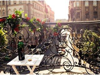 Downtown Classic apartment in V Belváros {#has_lu…