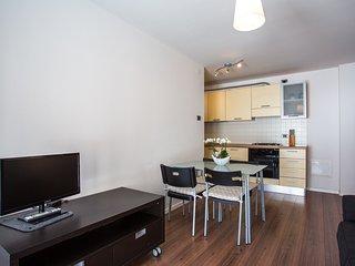 Appartamento GIALLO con enorme terrazzo e WIFI FREE