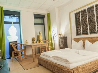 Lion's Den apartment in Friedrichshain {#has_luxu…