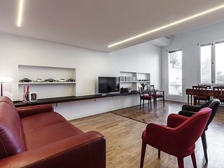 Luxury Fiera apartment in Porta Garibaldi {#has_l…, Novegro