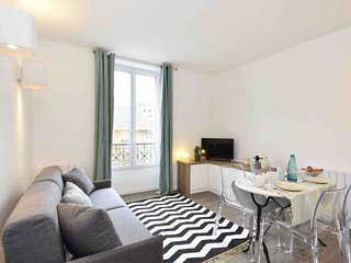Seine Tour Eiffel apartment in 15ème - Seine {#ha…