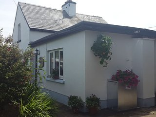 Traditional Irish cottage close to the sea