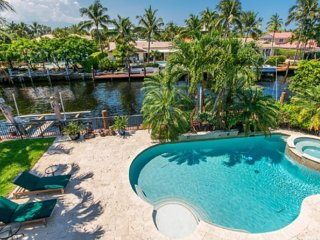 MARIETTA, an exquisite SALTY BUNGALOW: waterfront, ocean access, clean & green, Fort Lauderdale