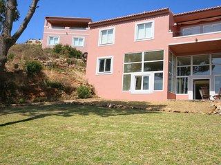 Porto dona Maria, 1 bedroom duplex with WiFi, Beautiful Sea views, sleeps 3