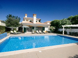 Casa Matelou, luxury 5 bedroom villa, Large private pool, A/C, Wi-Fi, Luz