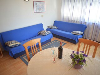 Apartments Divna-One Bedroom Apt, Terrace,Sea View, Betina