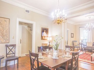 Stay Local in Savannah: Perfect historic home for a family on vacation