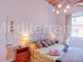 Beautiful Holiday Apartment in Via Sistina, Rome, Roma