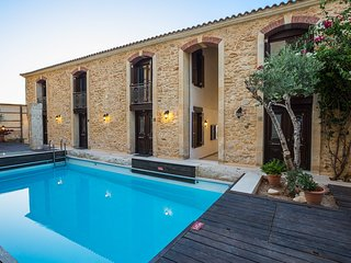 Beach Front Residence II, sandy holiday!, Rethymno