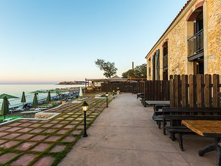 Beach Front Residences, sandy holiday!, Rethymnon