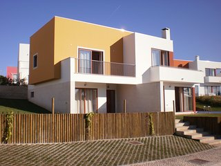 RR PL-Outstanding villa in Bom Sucesso/Lagoa de Obidos with heated private pool., Leiria