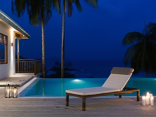 Villas Palm Royal-Luxury villa Queen with privat pool, ocean view, full service