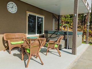 At The Top of The Hill you will find a beautiful house with outstanding views., Peachland