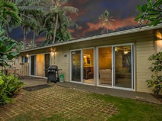 2bdr - Steps Away from Your Own Slice of Heaven!, Kailua