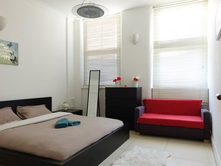 One bedroom flat at Commercial Street, near to Brick Lane and Liverpool Street., Londres