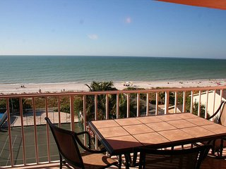 TOP FLOOR DIRECT OCEAN FRONT LUXURY BEACHFRONT CONDO, Indian Rocks Beach