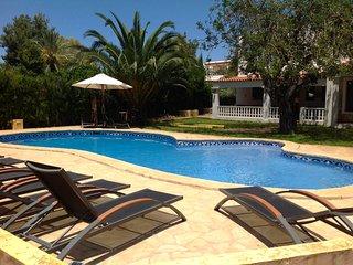 Villa Carmen - spacious Ibiza Style Villa, Puig d'en Valls